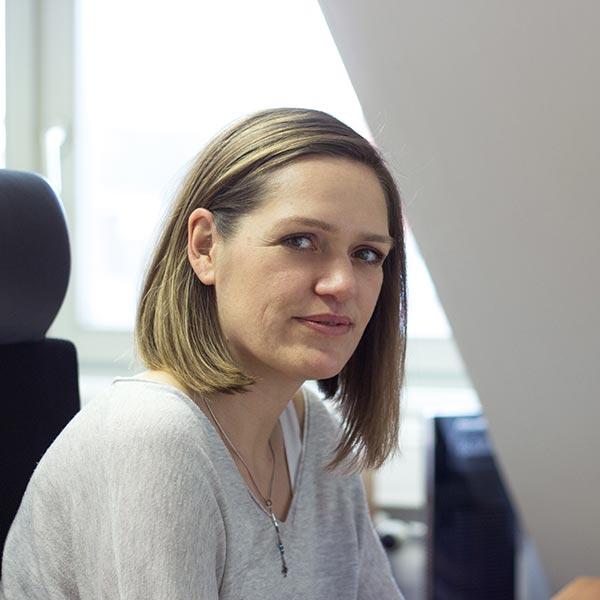 Janine Höfer